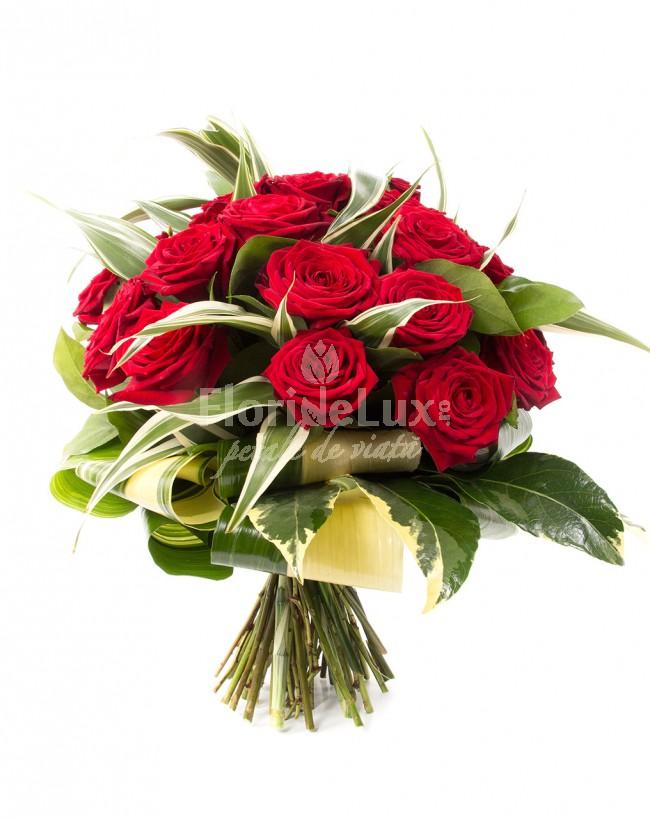 cele mai frumoase buchete de flori trandafiri rosii