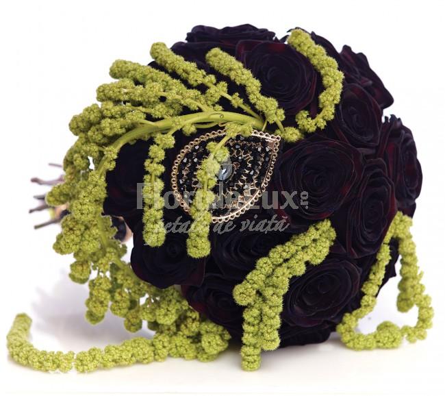 cele mai frumoase buchete mireasa trandafiri negri