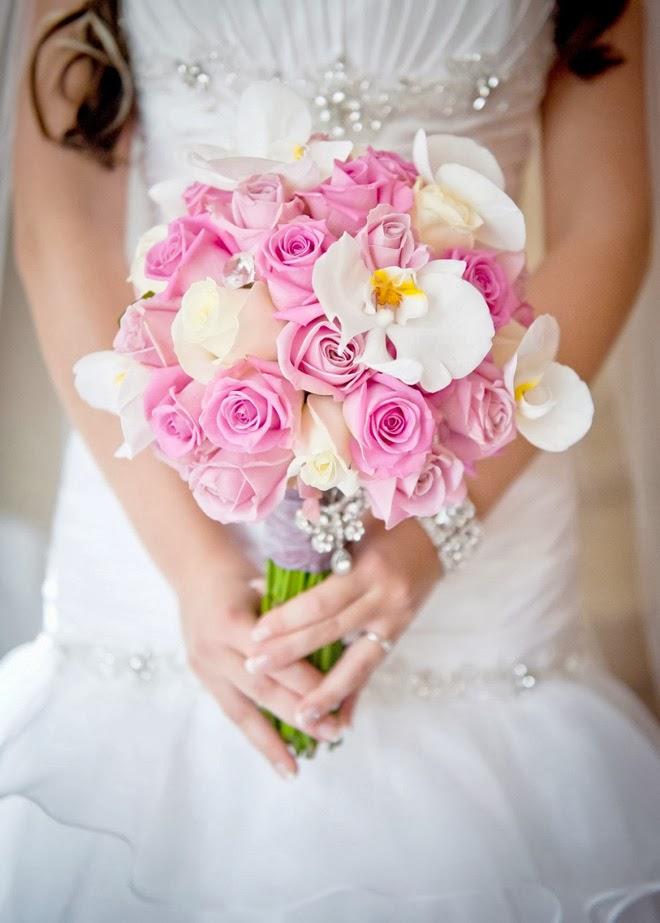 cele mai frumoase buchete mireasa trandafiri roz