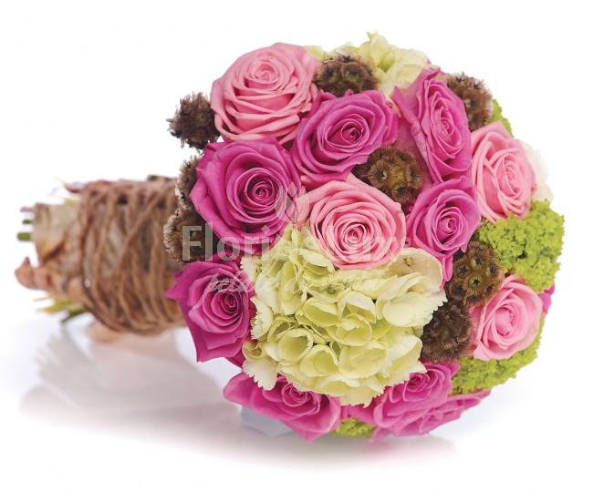 cele mai frumoase buchete mireasa trandafiri