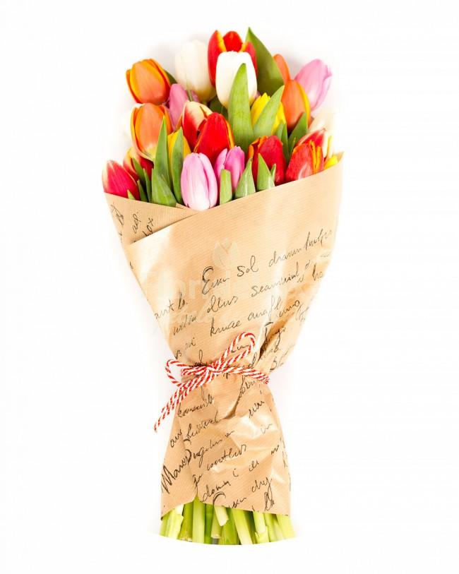 buchet de lalele, cele mai frumoase flori de primavara