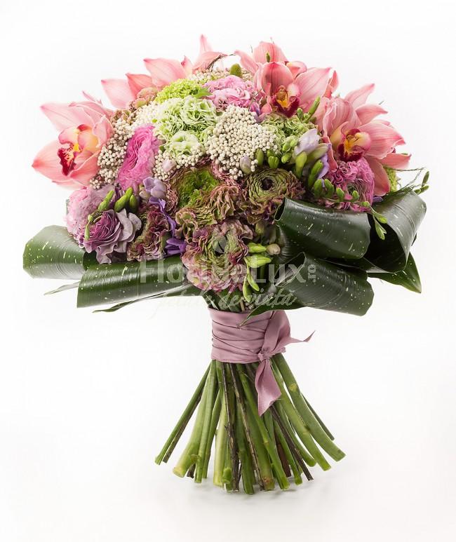 buchet ranunculus, cele mai frumoase flori de primavara