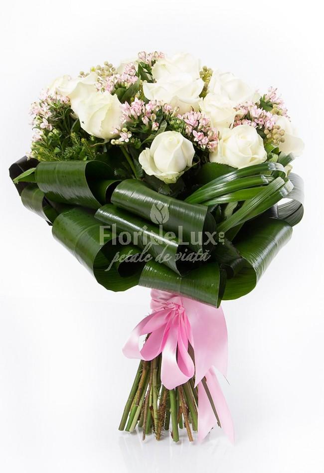 Buchete de trandafiri albi locul-8