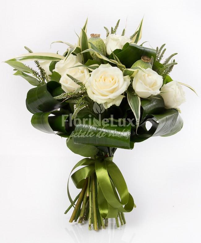 Buchete de trandafiir albi loc 9
