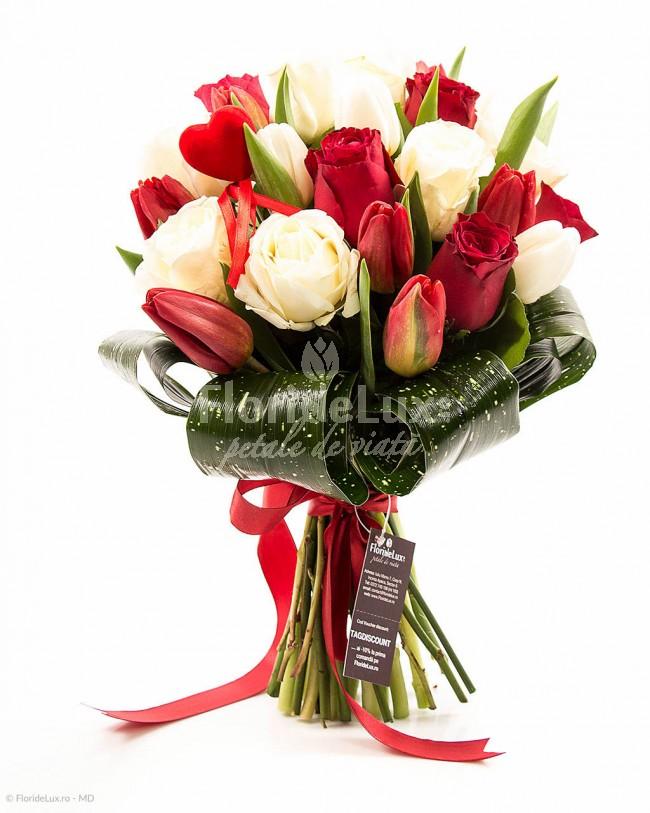 buchete-lalele-rosii-cu-trandafiri