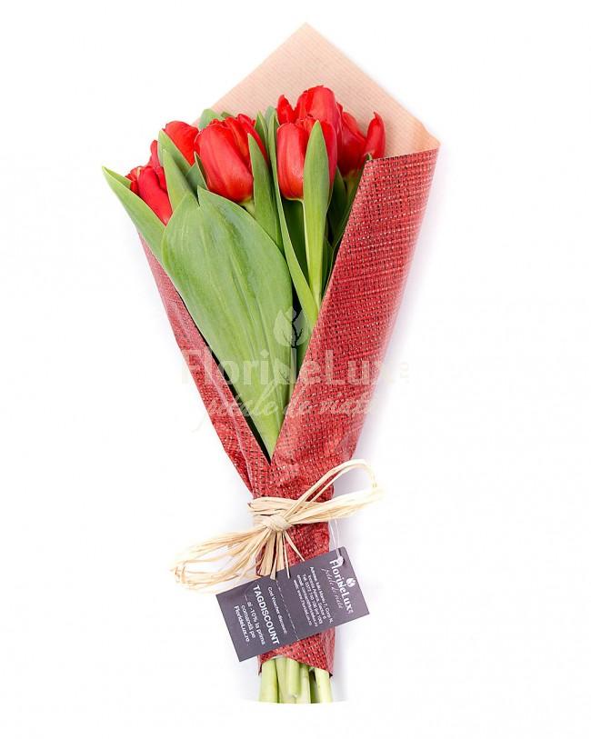 buchete-lalele-rosii-simple