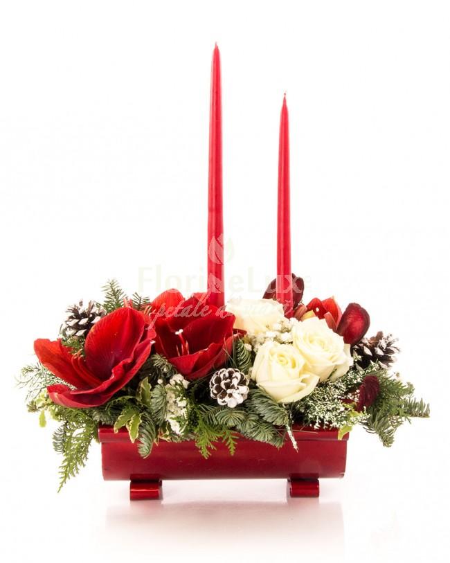 Aranjament Craciun amaryllis si trandafiri  https://www.floridelux.ro/aranjament-craciun-amaryllis-si-trandafiri.html