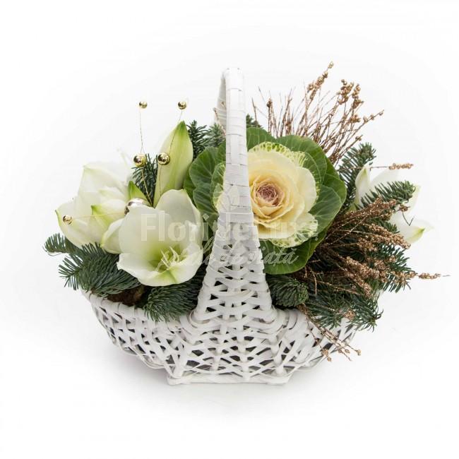 cosulet cu flori de Craciun