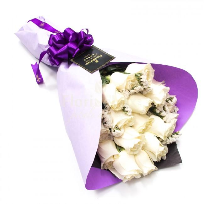 buchet trandafiri albi puri
