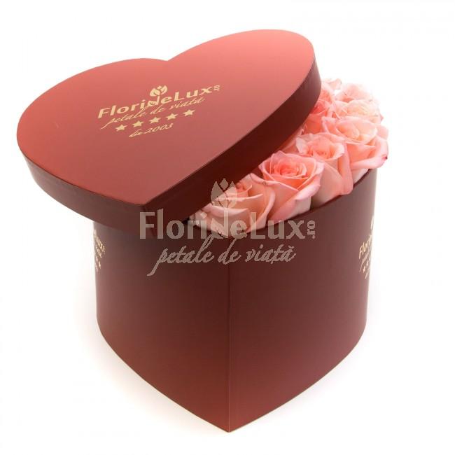 cutie inima trandafiri roz