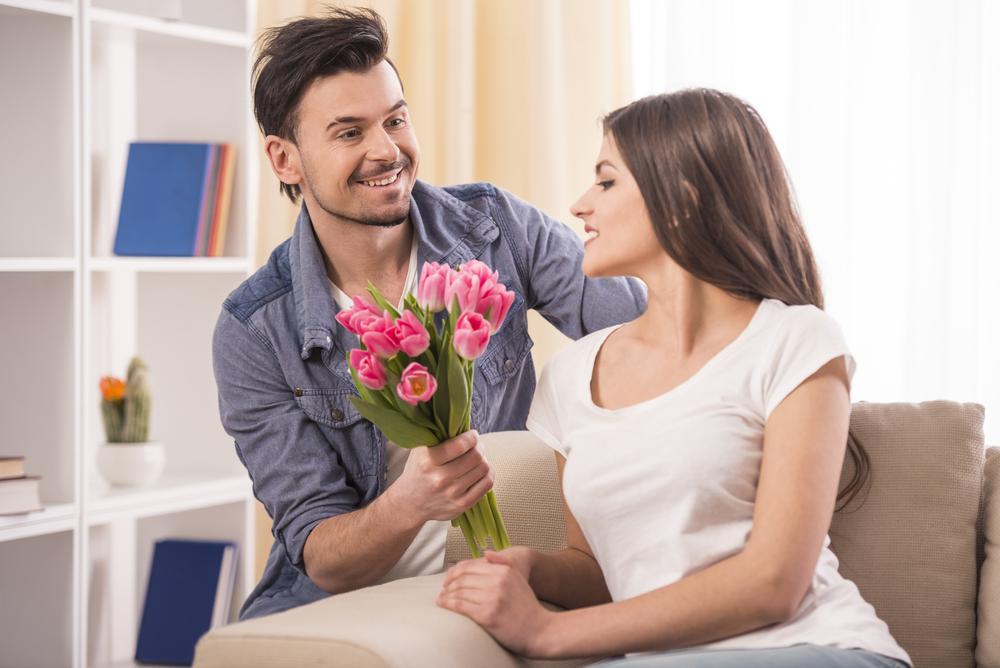 Florarie online Arad: doar FlorideLux este cea mai buna florarie cu livrare rapida in Arad. Ai livrare gratuita flori in Arad, oriunde in judet!