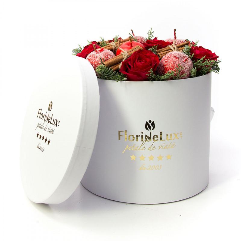 Flori pentru Sfantul Andrei - idei 2020, cutie flori pudrate cu farmec iernatic, doar 337.99 RON!