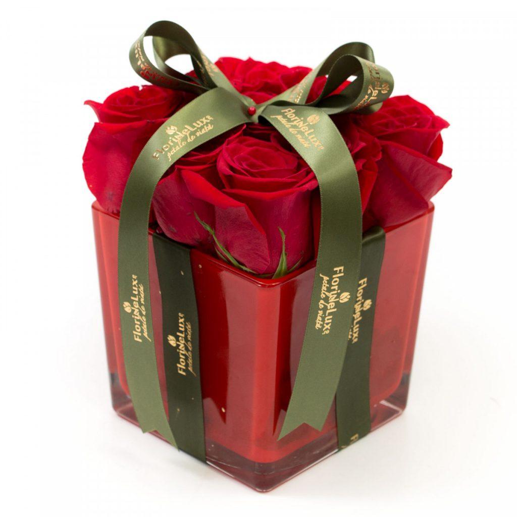 Cadou trandafiri rosii, doar 160.00 RON!