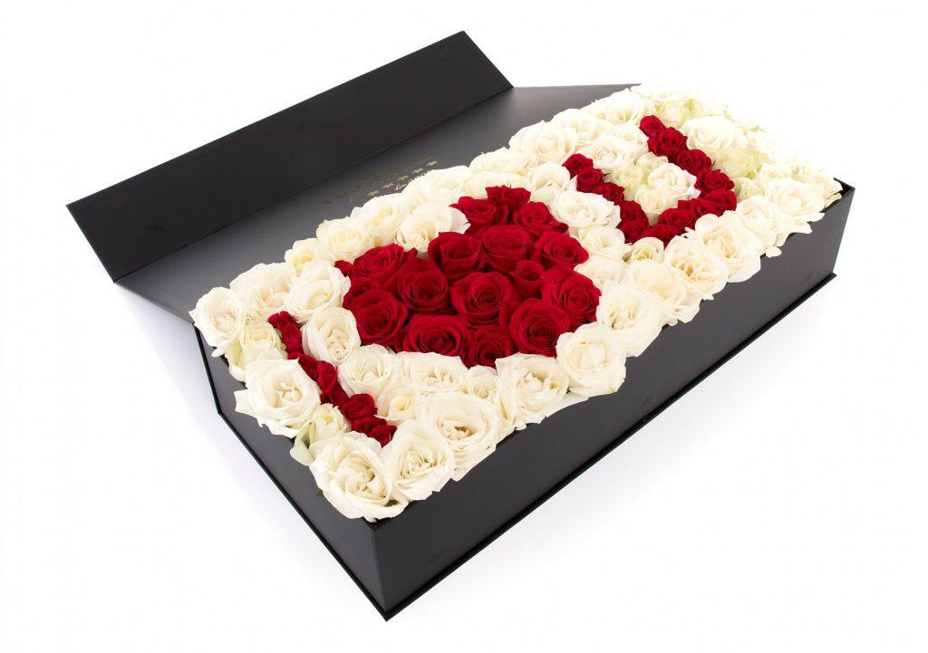 Cutie trandafiri I LOVE YOU, doar 999 RON!