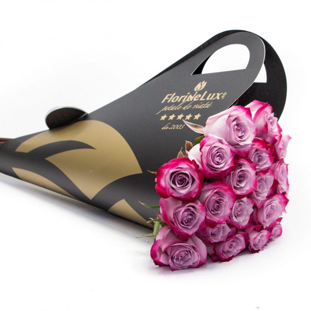 Idei pentru Valentine's Day Ce cadou îi poți cumpăra persoanei iubite, Buchet de lux Purple Pleasing, doar 298,99 RON!