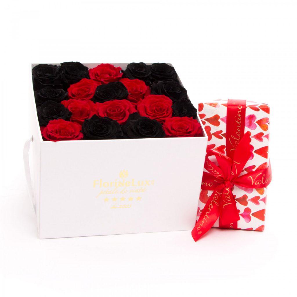 Literă din trandafiri criogenați și ciocolată, doar 1124,99 RON!