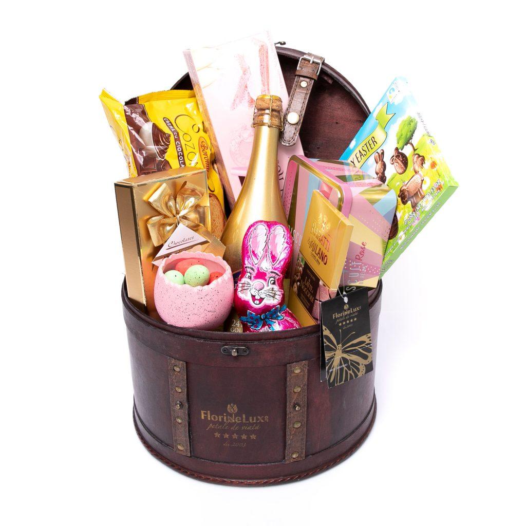 Coșuri cadou de Paște, Cufăr generos cu cadouri, doar 399 RON!