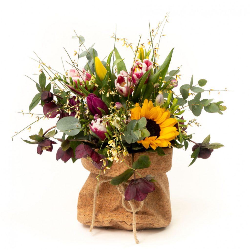 Flori pentru urari de primăvară, doar 179,99 RON