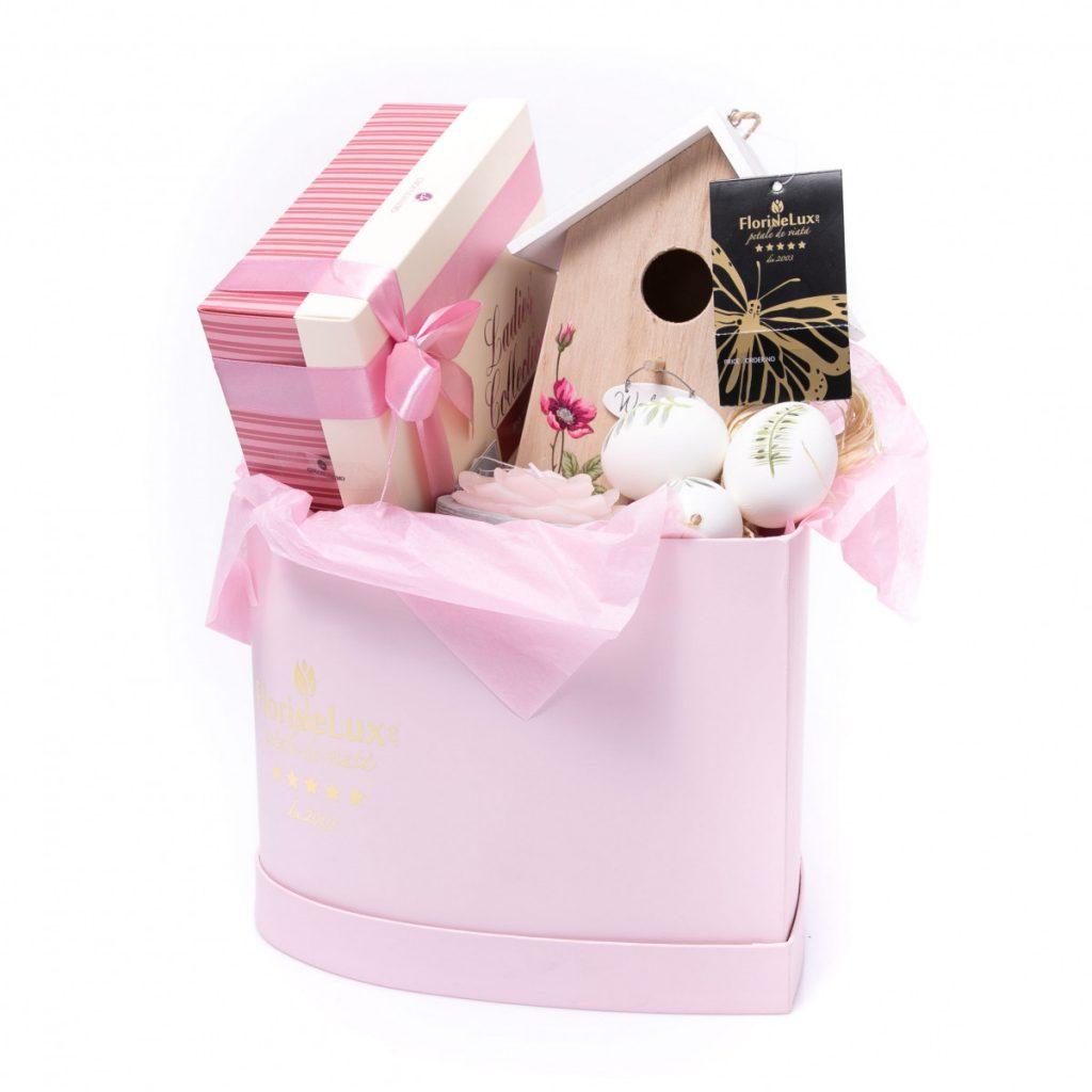 Coșuri cadou de Paște, Inimă roz cu surprize, doar 469 RON!