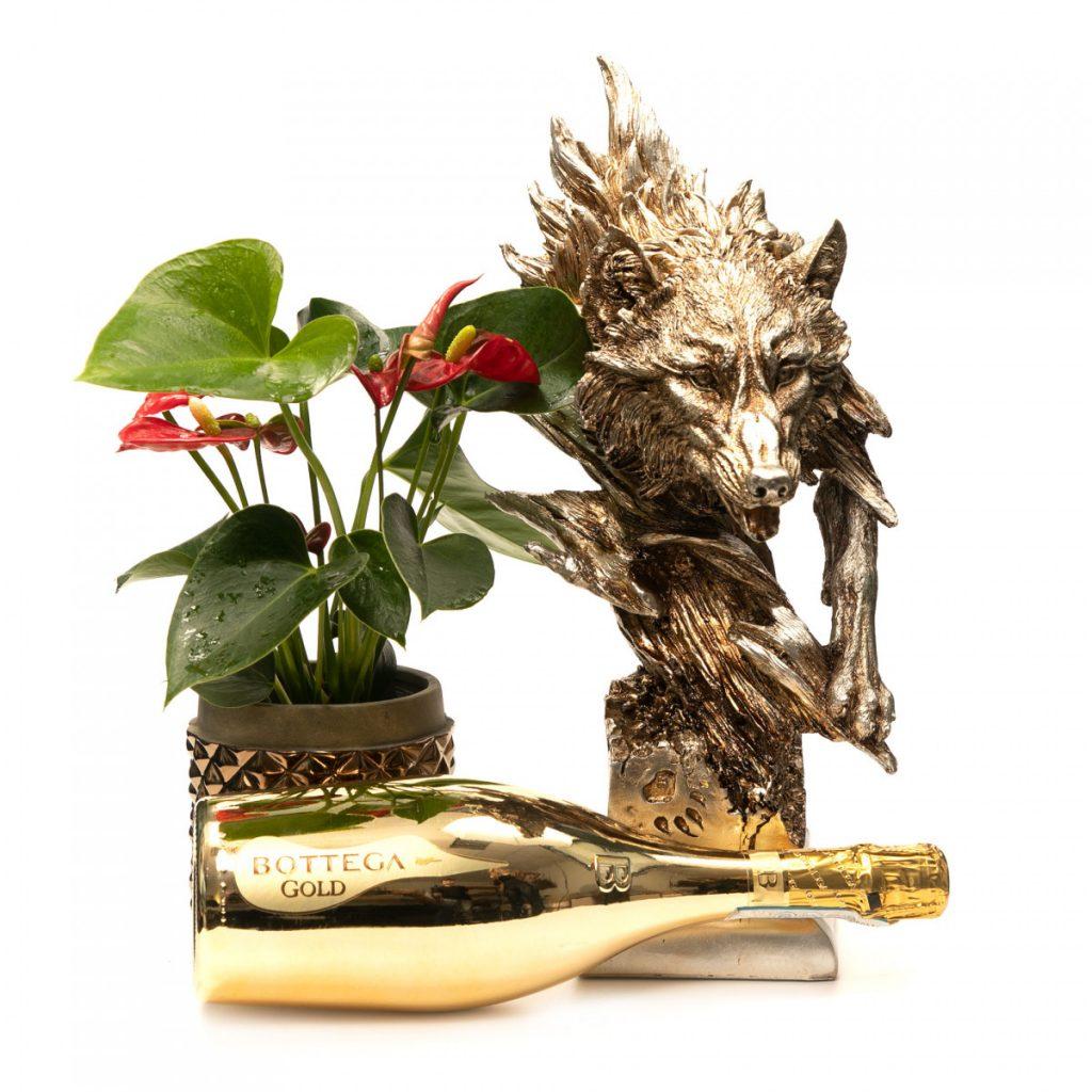 Flori pentru Constantin: idei cadouri pentru barbati, Cadou statueta, sampanie si planta de lux, doar 419,99 RON